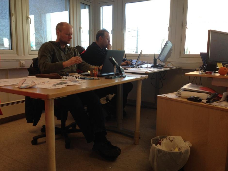 Under virksomhetsoverdragelsen fra KF Havn Oslo til Yilport Oslo opplevde vi alle en utfordring med nye systemer og ordninger. Jeg tror disse to karene Stig Jakobsen og Johan Knutsen hadde mildt sagt stressfulle dager.  Når er vi over det verste og er igång med nye rutiner .