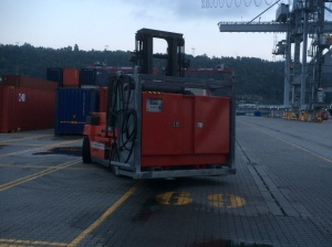 When released from the busbar the RTG_Crane is getting power from a generator. This is it!
