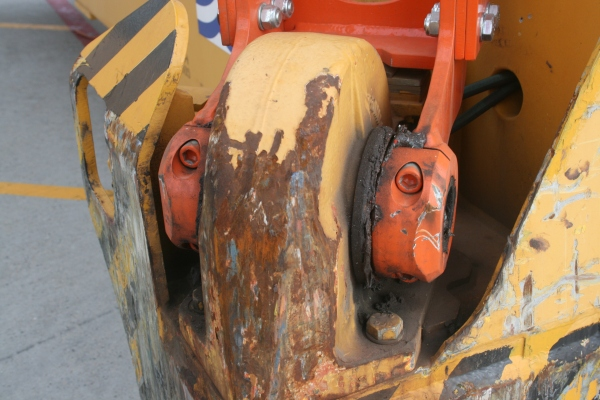 Close up of the spreader