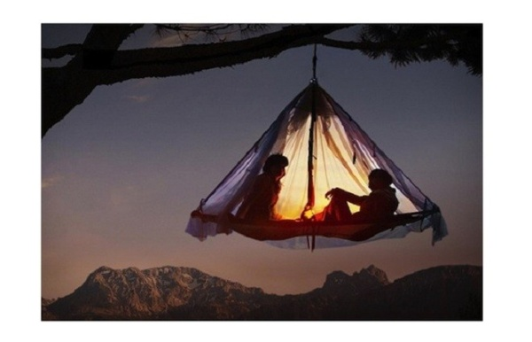 cliff-hanging-tent
